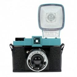 LOMOGRAPHY Lomo Diana F + format 120mm - HP700 avec flash